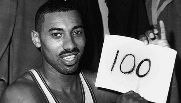 Este é o registro histórico de Wilt Chamberlain quando bateu o recorde de jogo individual com 100 pontos numa vitória do Philadelphia Warriors sobre os Knicks