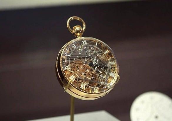 Este é o relógio de bolso mais caro do mundo. Ele foi desenhado por Maria Antonieta e possui mais de 823 peças, levando 4 anos para ser finalizado