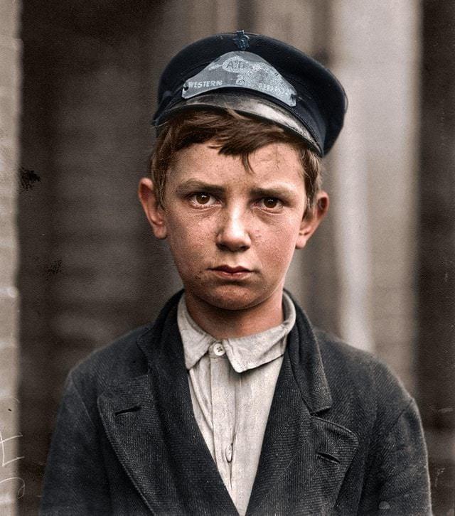 Richard Pierce (14 anos) trabalhava como mensageiro da Western Union das 7 às 18 horas, fumava cigarros e frequentava casas de prostituição