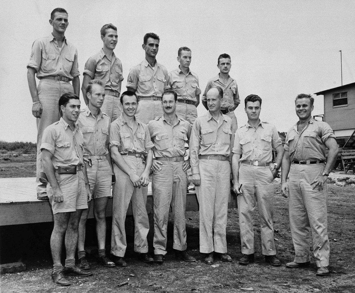A tripulação do Enola Gay depois de soltar a bomba atômica em Hiroshima, em 1945