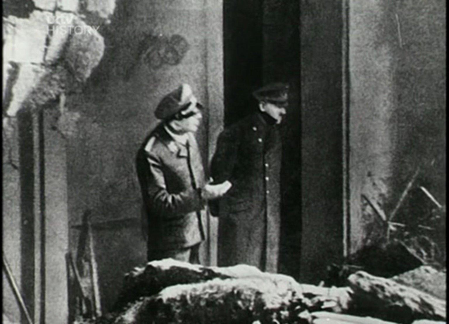 A última foto de Adolf Hitler que se tem notícia, tirada em 1945