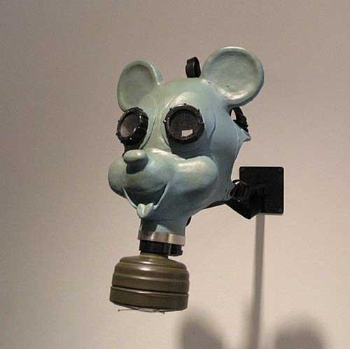 Máscara de gás infantil em forma de personagem de desenho animado