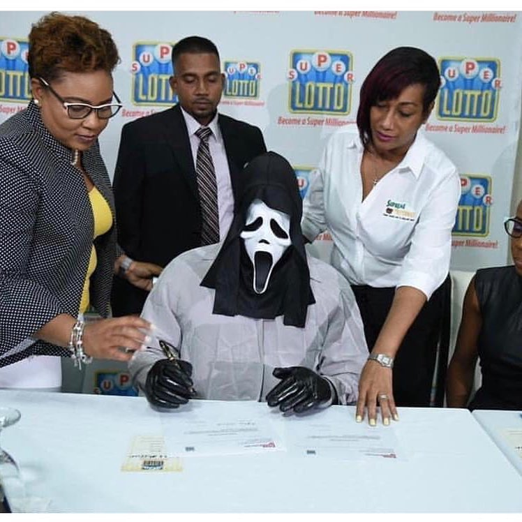 Vencedor do Super Lotto da Jamaica para evitar ser reconhecido