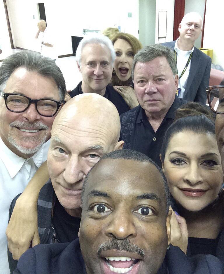 Tripulação da Star Trek reunida