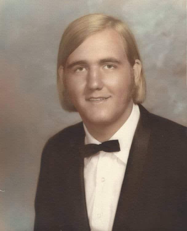 Este é o Hulk Hogan adolescente