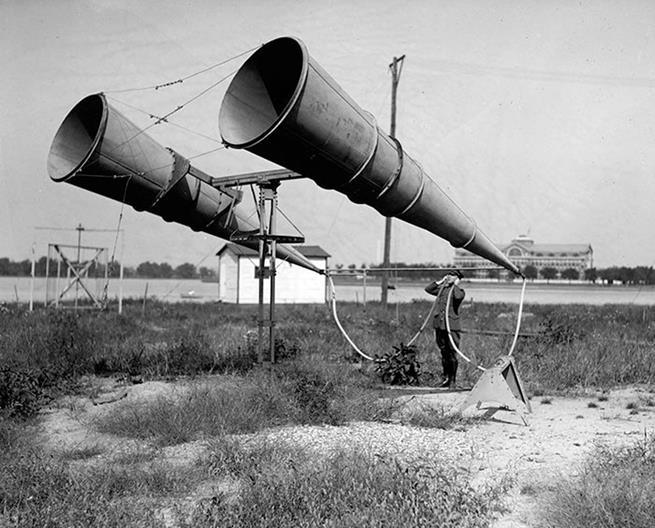 Era assim que as aeronaves inimigas eram detectadas antes da invenção do radar, 1921