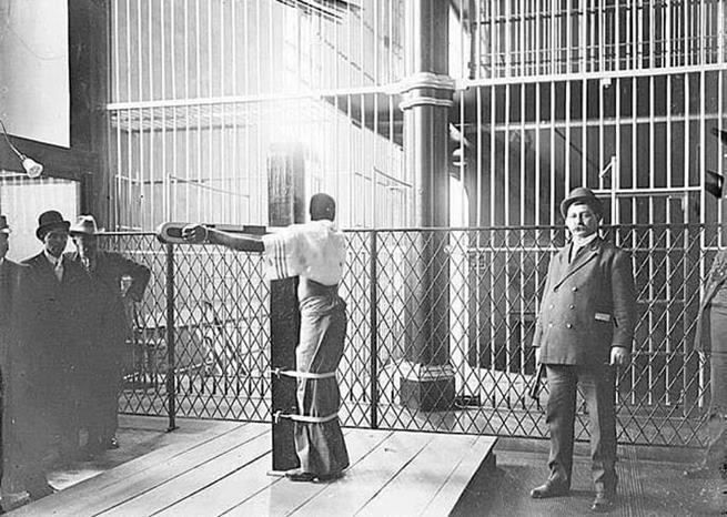 O posto de chicote foi usado em 1885 na prisão de Baltimore para punir condenados por espancar mulheres