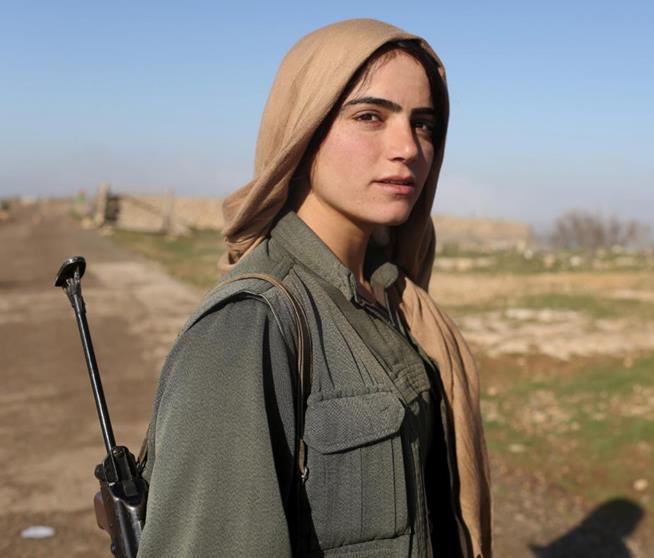 Militante do Partido dos Trabalhadores do Curdistão, Iraque, 13 de março de 2015