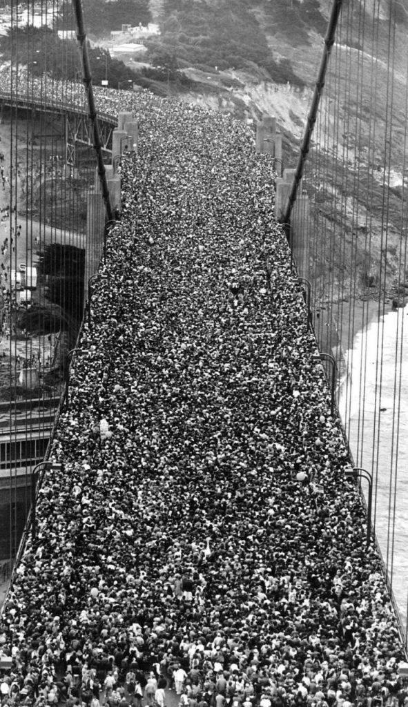 Foto da inauguração da Ponte Golden Gate, em 27 de maio de 1937
