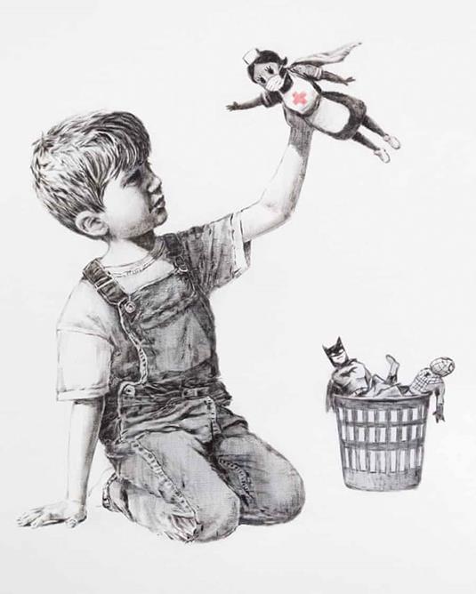 Obra feita pelo artista Banksy doada a um hospital para celebrar os profissionais de saúde que lutam em meio à pandemia de coronavírus