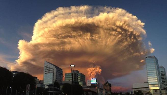 Erupção de vulcão no Chile