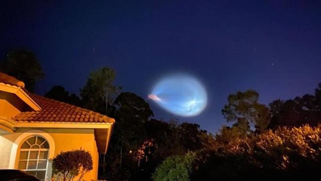 Lançamento da SpaceX visto em West Palm Beach, EUA