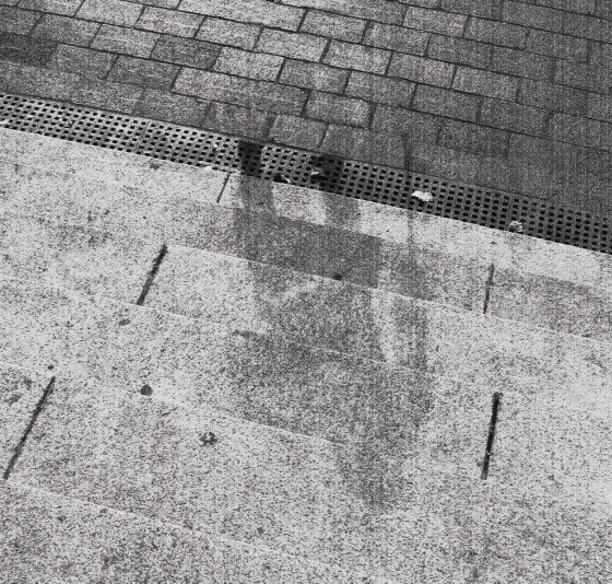 Quando a bomba foi lançada em Hiroshima, em 1945, os corpos das pessoas criaram