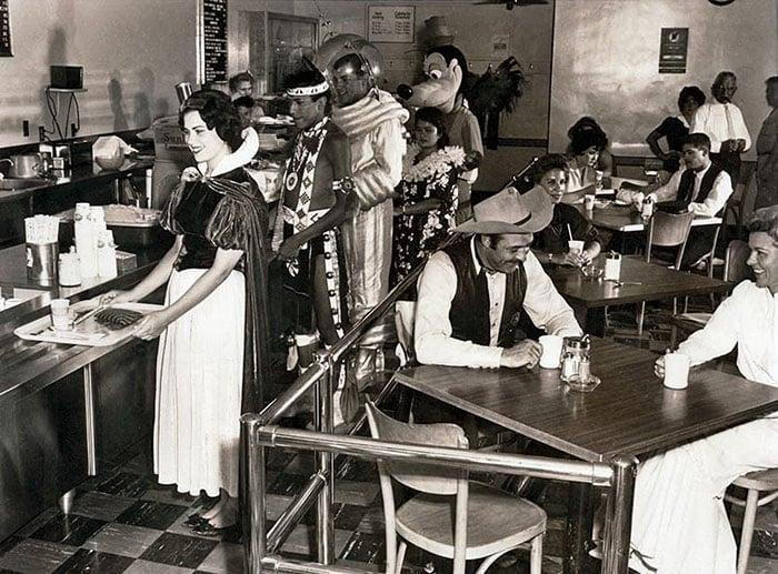 Cantina de trabalhadores da Disney em 1961