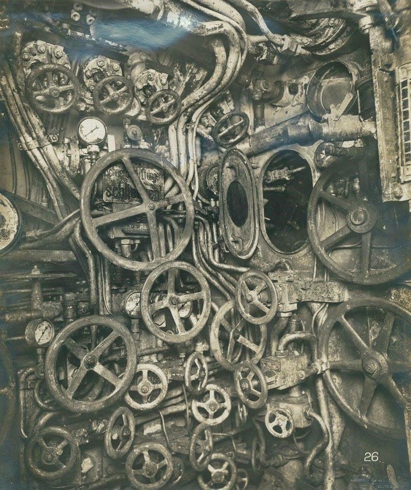 Sala de controle de submarino alemão em 1918