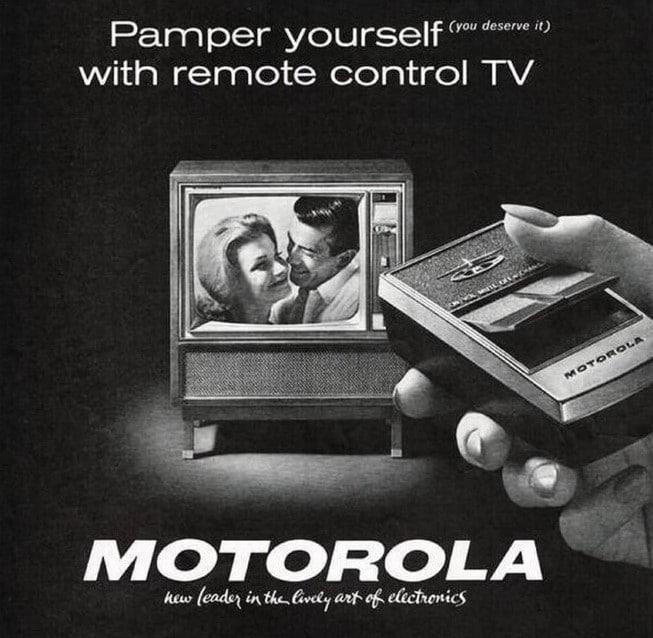 Em 1956, a Motorola apresentou pela primeira vez seu controle remoto transistorizado para televisão. O anúncio provocou uma verdadeira revolução na época