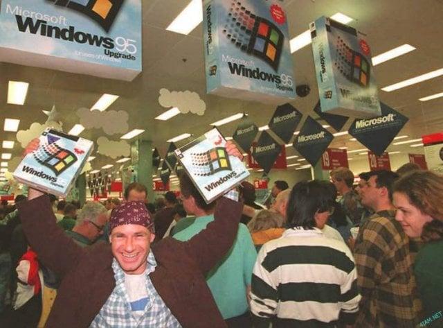 Lançamento oficial do Windows 95, há 25 anos