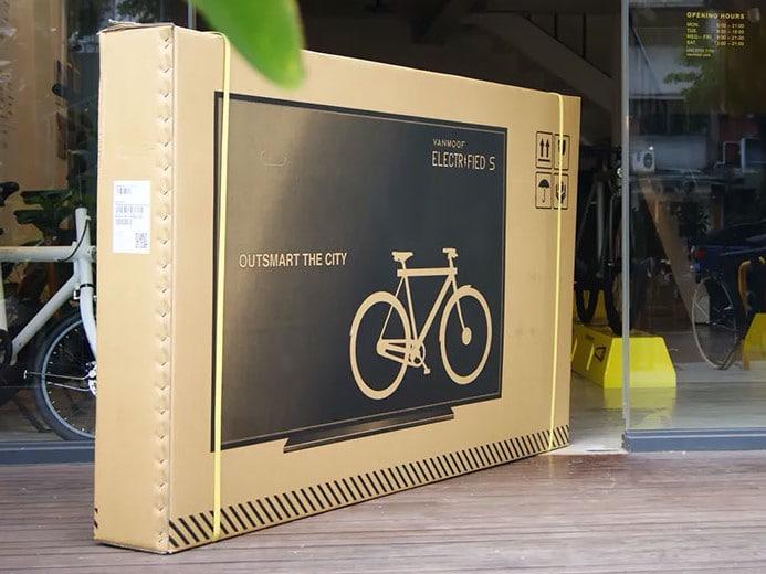 Uma empresa fabricante de bicicletas percebeu que estava tendo alto custo com encomendas danificadas, então teve a ideia de imprimir uma TV em suas caixas. As taxas de danos caíram 80%.