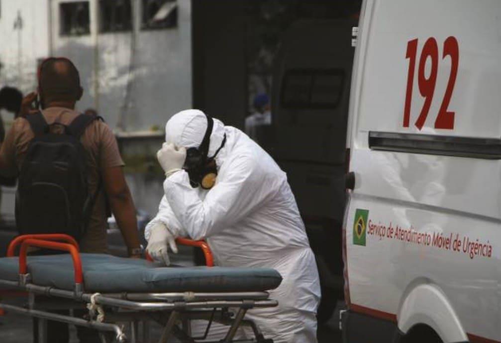 Enfermeiro da SAMU devastado após saber que paciente atendido por ele não resistiu ao covid-19