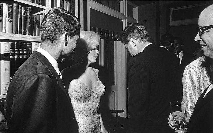 A única foto conhecida do presidente Kennedy e Marilyn Monroe juntos, 1962