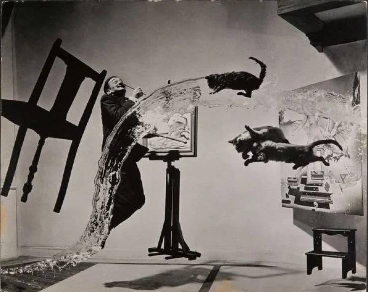 Esta foto de Salvador Dali, de 1948, foi criada sem computação gráfica ou pós-produção. Demorou 26 tomadas