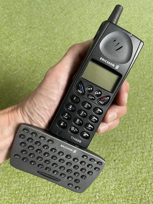 Há 20 anos, era assim que alguns celulares permitiam que você enviasse mensagens de texto de maneira mais fácil