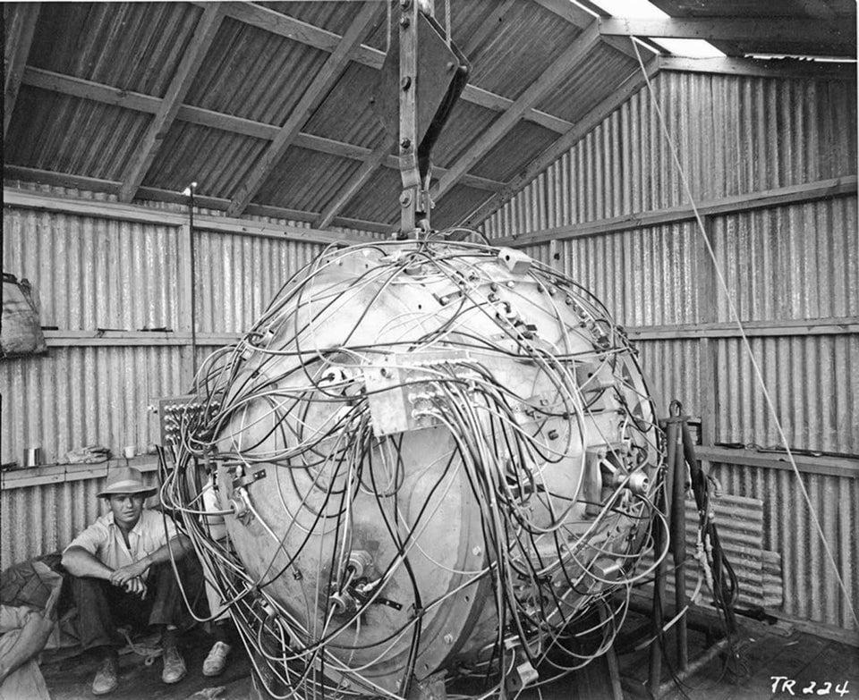 A primeira bomba atômica - 1945