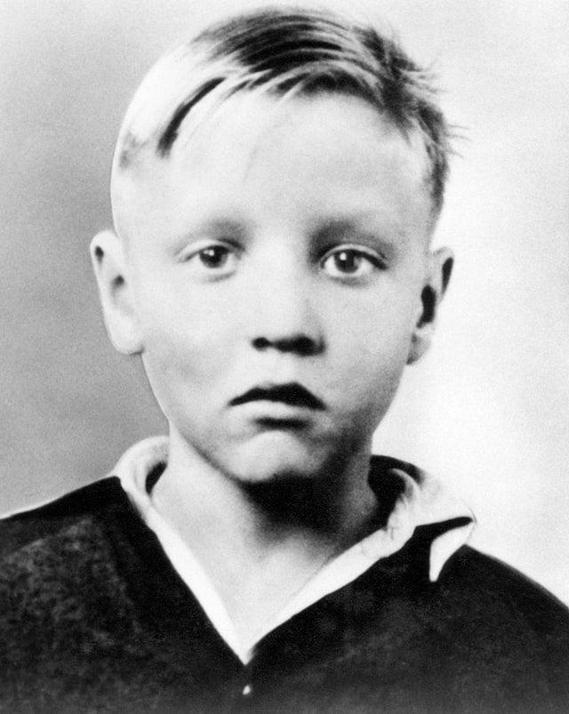 Elvis Presley quando criança, 1940