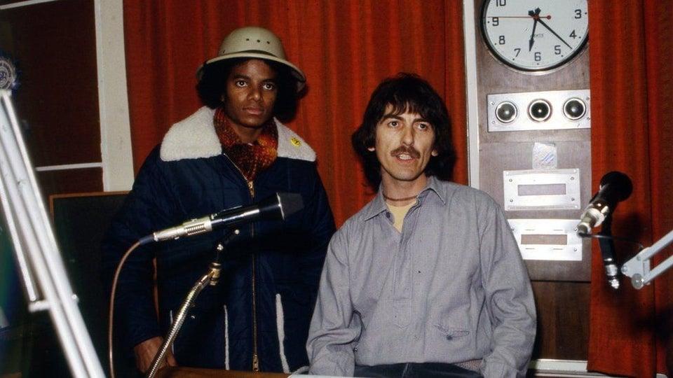 George Harrison e Michael Jackson juntos em 1979, quando gravaram uma entrevista para a BBC