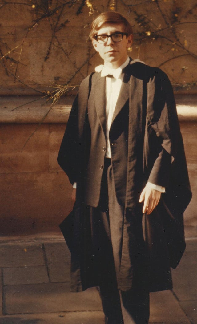 Stephen Hawking em sua graduação na Universidade de Oxford, 1962
