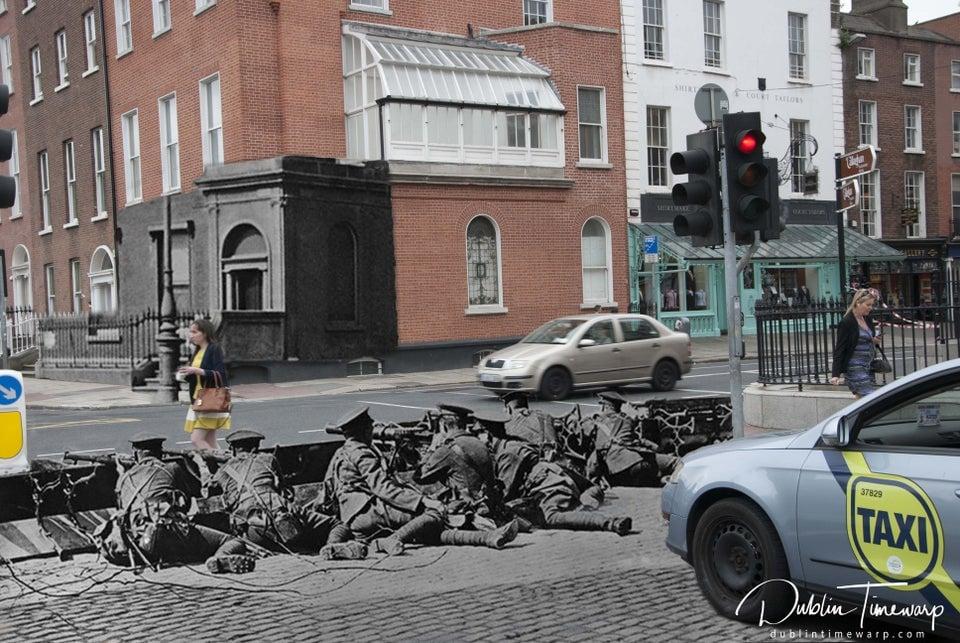 Esta foto separa Dublin na atualidade com o mesmo local na Revolta da Páscoa, em 1916.