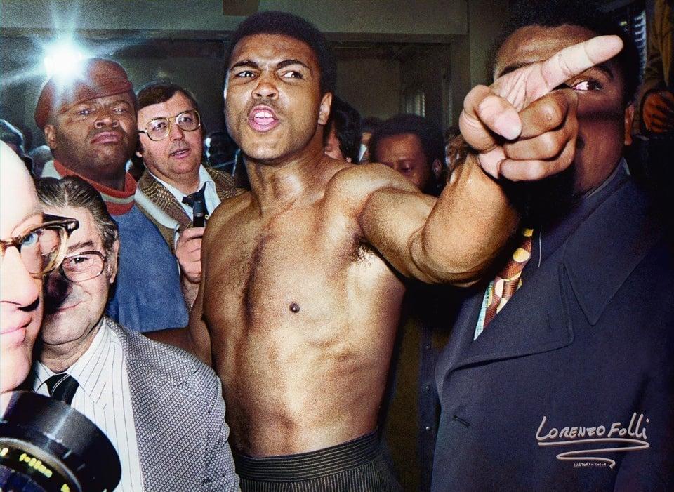 Mohammad Ali apontando o dedo para Joe Frazier durante pesagem para a segunda luta entre eles, em Nova Iorque, 23 de janeiro de 1974 - conhecida como a luta do século.