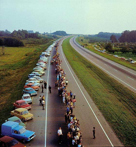 Em 1989, os cidadãos da Estônia, Letônia e Lituânia se uniram para formar uma corrente humana com o único propósito de dizer à União Soviética para ir embora.