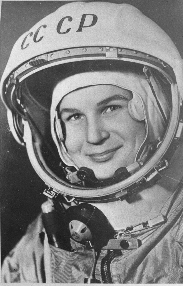 Valentina Tereshkova: a primeira mulher no espaço (1963).