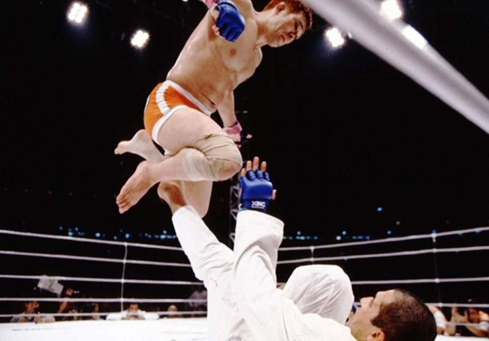 Em 1º de maio de 2000, Kazushi Sakuraba lutou contra Royce Gracie por uma hora e meia. Sakuraba venceu por nocaute técnico quando Gracie abandonou o combate. A luta se tornou uma das mais importantes da história do MMA. Após essa luta, Sakuraba ganharia o nome de