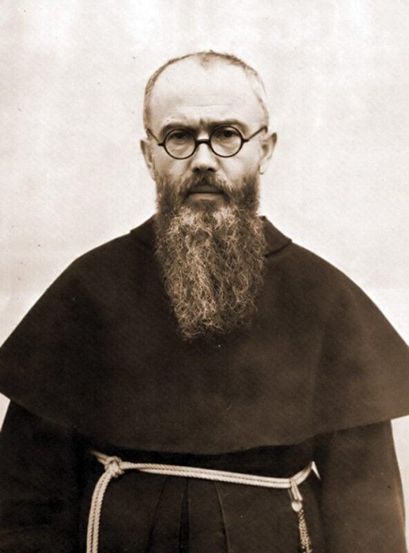 Há 80 anos, o padre católico Maximilian Kolbe se ofereceu para morrer em Auschwitz no lugar de um homem que clamava por sua família. Ele foi canonizado em 1982, e o homem que ele salvou estava na cerimônia.