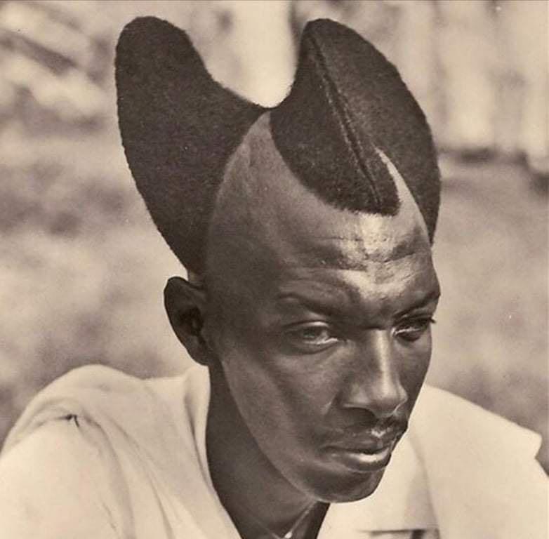 Antigo penteado tradicional ruandês