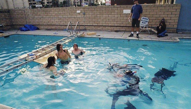 No set, durante as filmagens subaquáticas para o álbum Nevermind, do Nirvana.