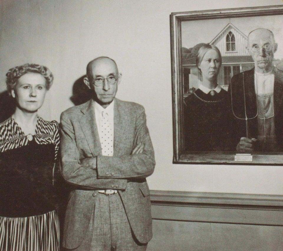 Nan Wood Graham e Byron McKeeby ao lado de