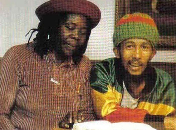 Última foto de Bob Marley, tirada em Munique, na Alemanha, em 11 de maio de 1981. Ele tinha uma forma rara de câncer de pele, que começou sob a unha do dedo do pé e se espalhou por todo o corpo, levando-o a óbito.